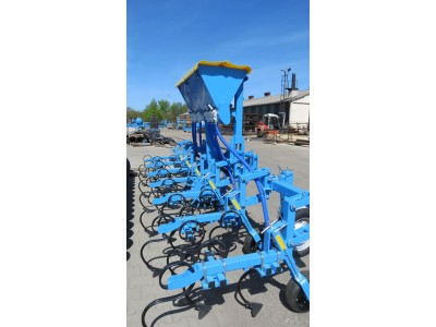 Inter-row cultivators with 300 kg fertilizer adapter